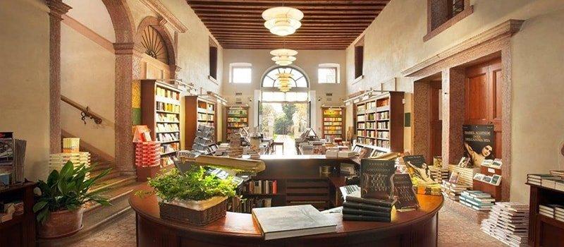 visitare biblioteca palazzo roberti a bassano