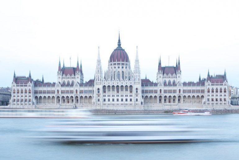 Prenotare la visita al parlamento ungherese