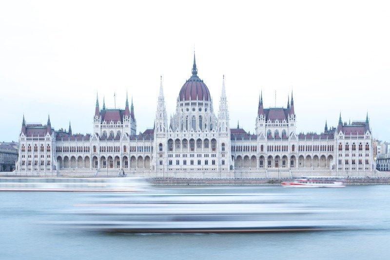 Visitare la sede del parlamento a Budapest