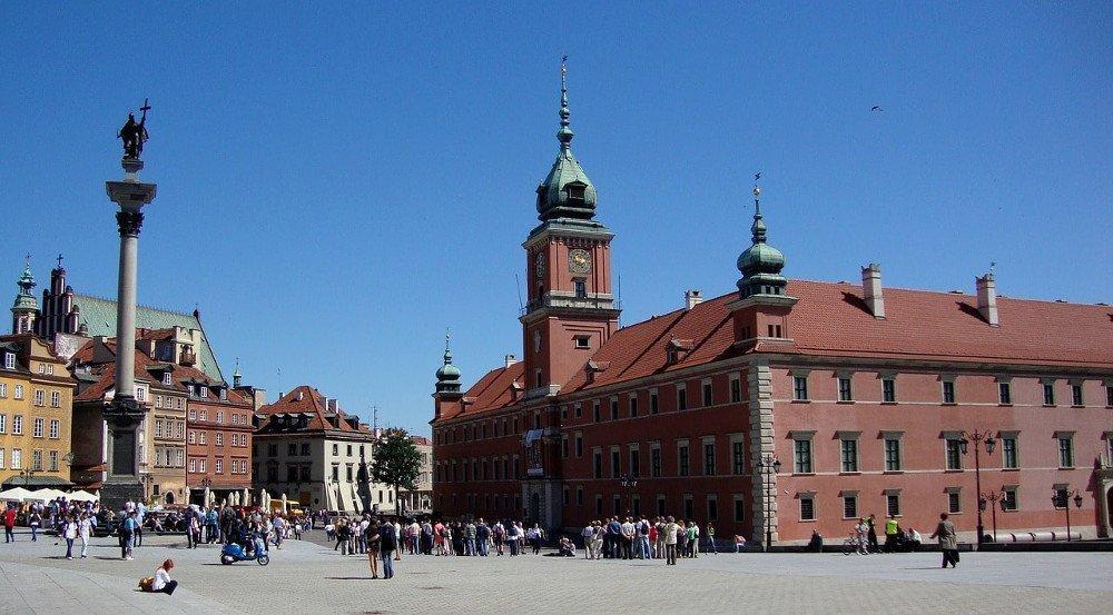 Vedere il castello a Varsavia
