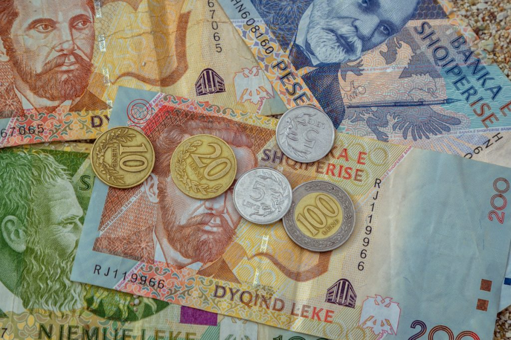 La moneta albanese si chiama Lek