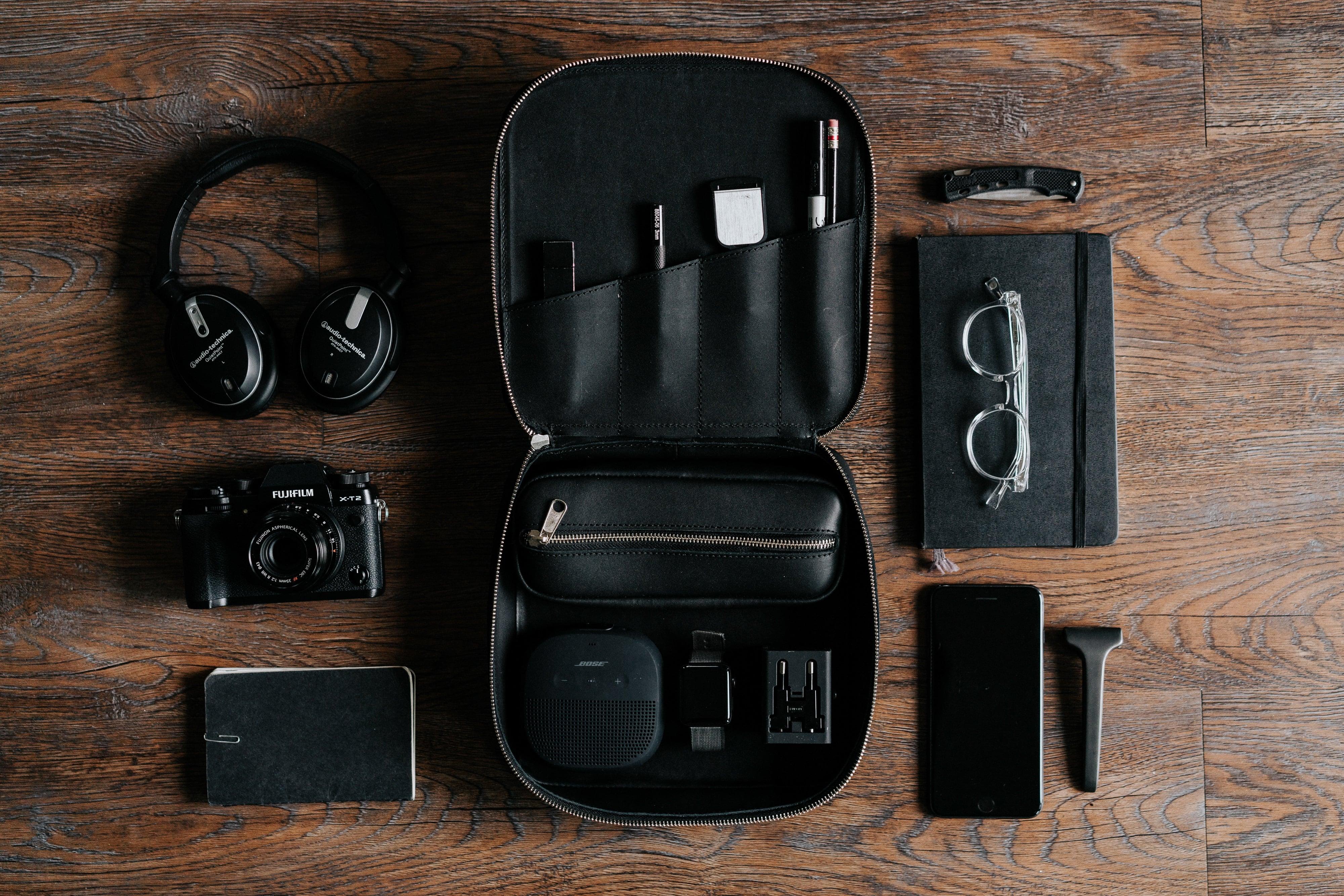 Il Kit da Viaggio per Nomadi Digitali, Travel Blogger e Remote Workers