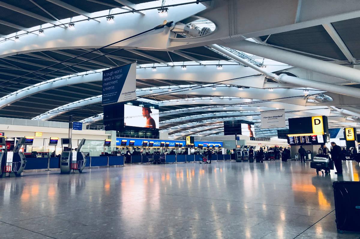 Guida al noleggio auto all'aeroporto di Tirana in Albania