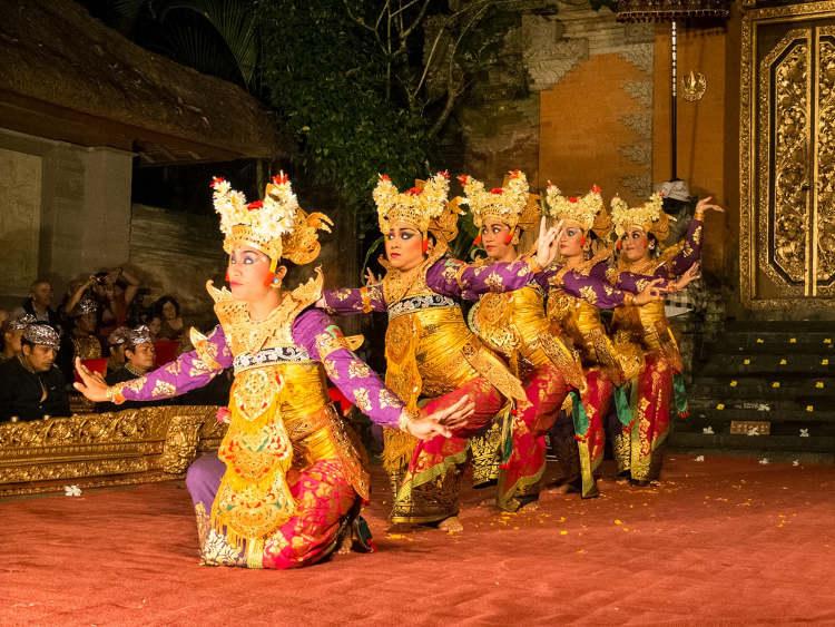 Spettacolo di danza balinese