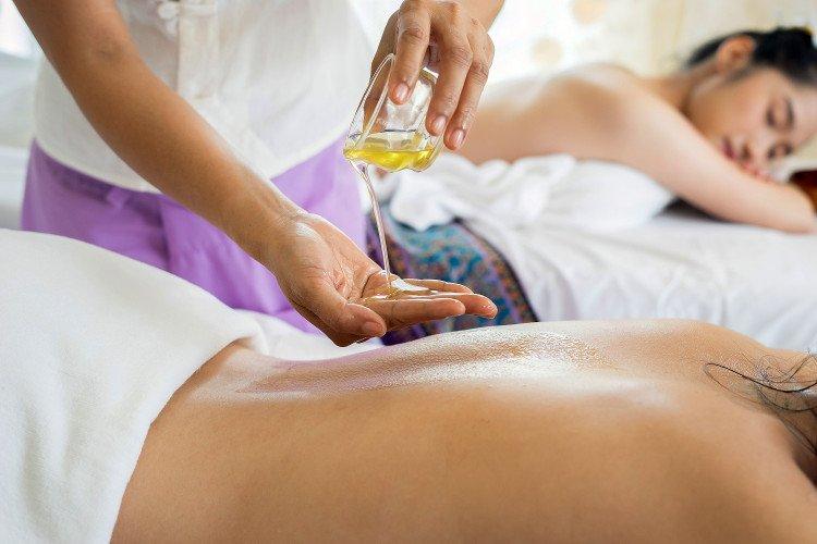 Fare un massaggio balinese