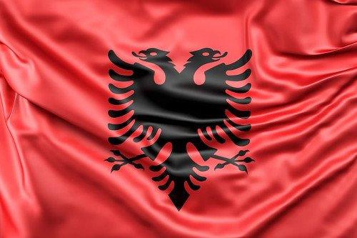 Bandiera, religione e lingua dell'Albania