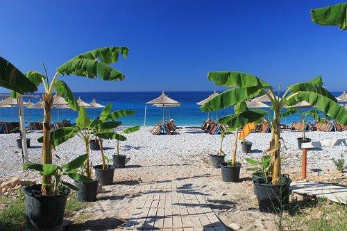 La spiaggia di Dhërmi in Albania