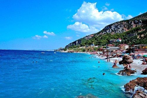 La spiaggia di Valona in Albania