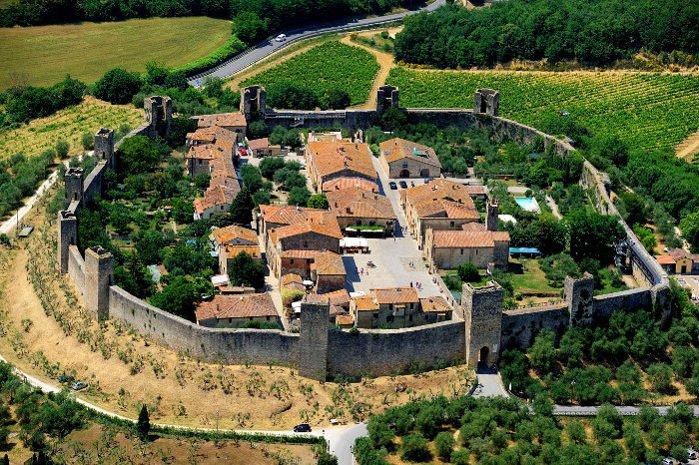 Centro medievale di Monteriggioni