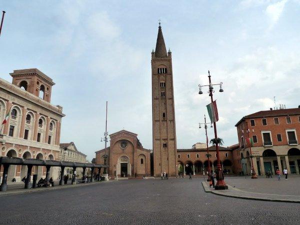 Visita l'Abbazia più importante di Forlì