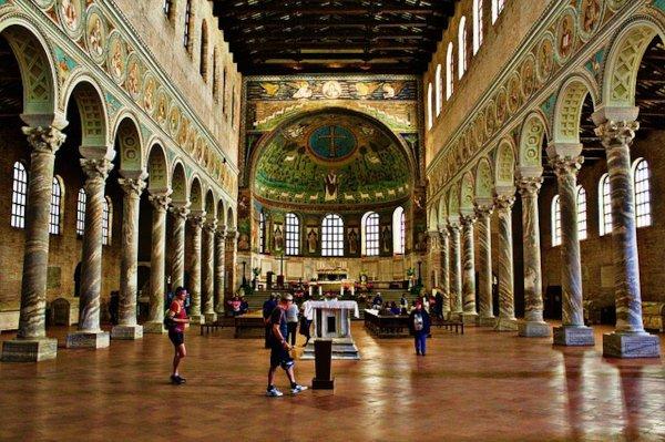 Esplora la Basilica di Ravenna