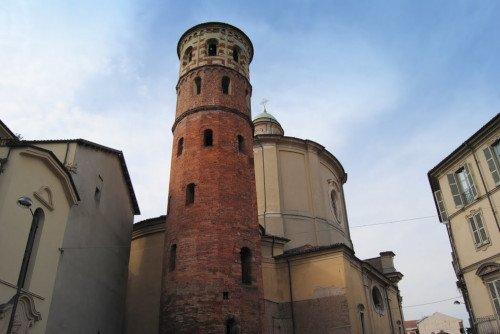 Visitare la torre rossa di Asti
