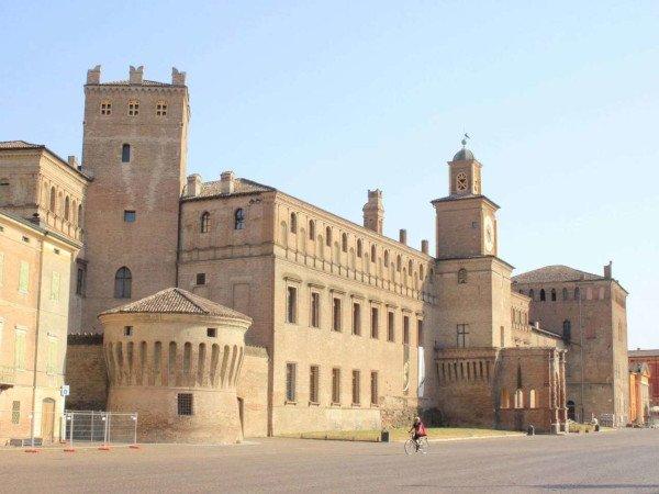 Castello e Torrione a Carpi