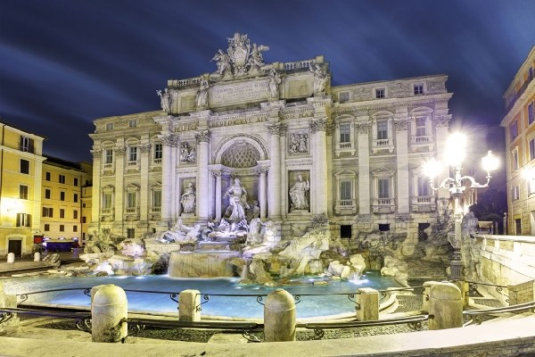 Fontana di Trevi luogo di interesse a Roma