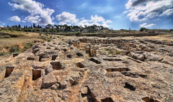 Visitare la necropoli a Cagliari
