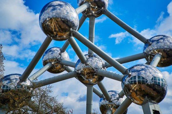 Visitare l'Atolium a Bruxelles