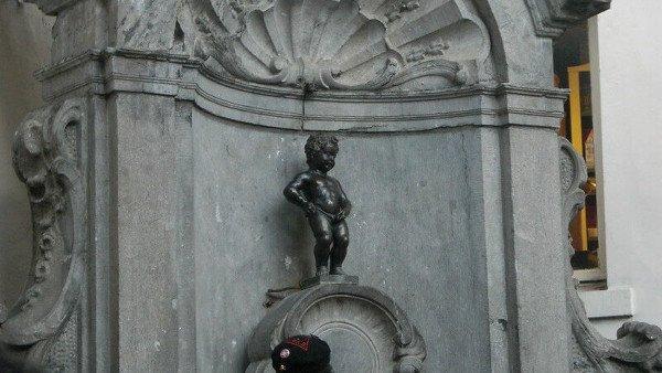 Visitare il Manneke-Pis a Bruxelles