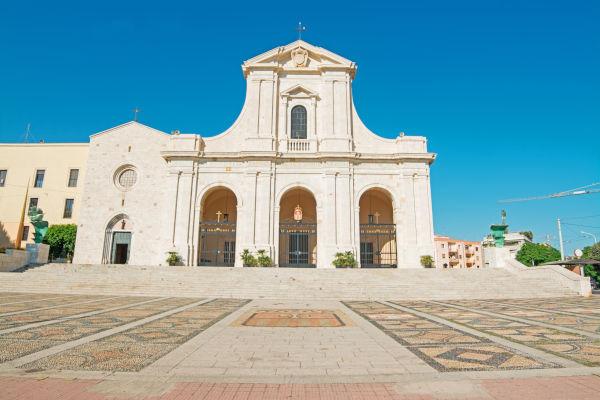 Visitare la chiesa di Bonaria a Cagliari
