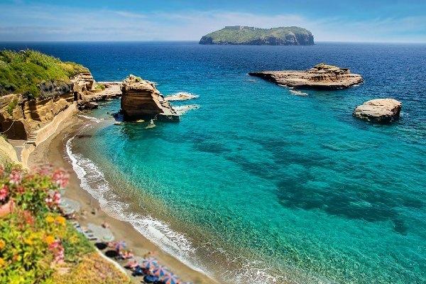 Ventotene e le più belle spiagge del Lazio