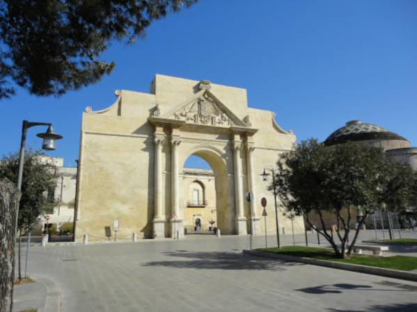 Porti monumentali a Lecce